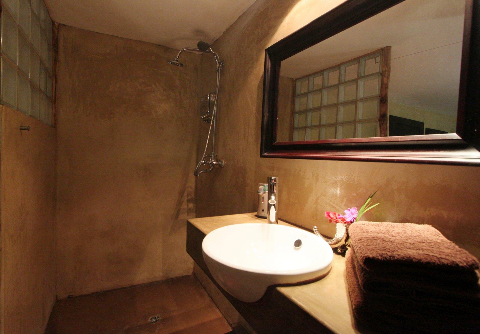 STD6-bathroom-best.JPG